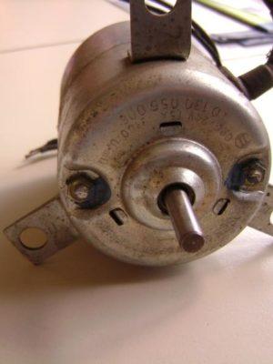 0130056006  Bosch Elektromotor fuer Innenraumgebläse 24V 0 130 056 006