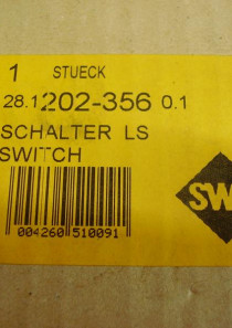 HLS 202.356 81.25509-0028 Lenkstockschalter, Multifunktionsschalter für z.B. MAN LKW, an. Der Lenkstockschalter ist NEU, in originaler Verpackung.